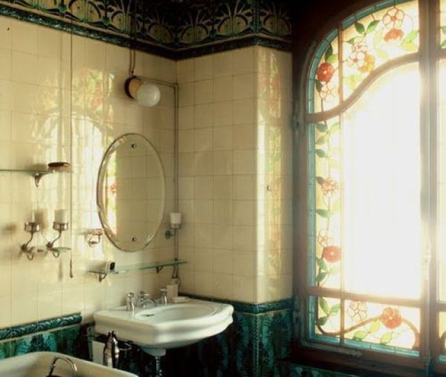 Love This Gorgeous Original Victorian Bathroom