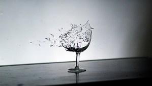 Breaking-wine-glass-700x400