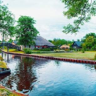 giethoorn-day-trip-from-amsterdam-PusE6ziu