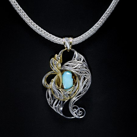 Victoria Lansford - Fire Within, gold and silver, Russian filigree necklace; photo by Pat Vasquez-Cunningham