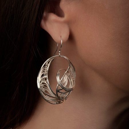 Spellbound, Russian filigree earrings; photo by Pat Vasquez-Cunningham