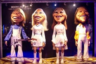 Marionettes from: https://www.youtube.com/watch?v=8L6T6Yj5u4k