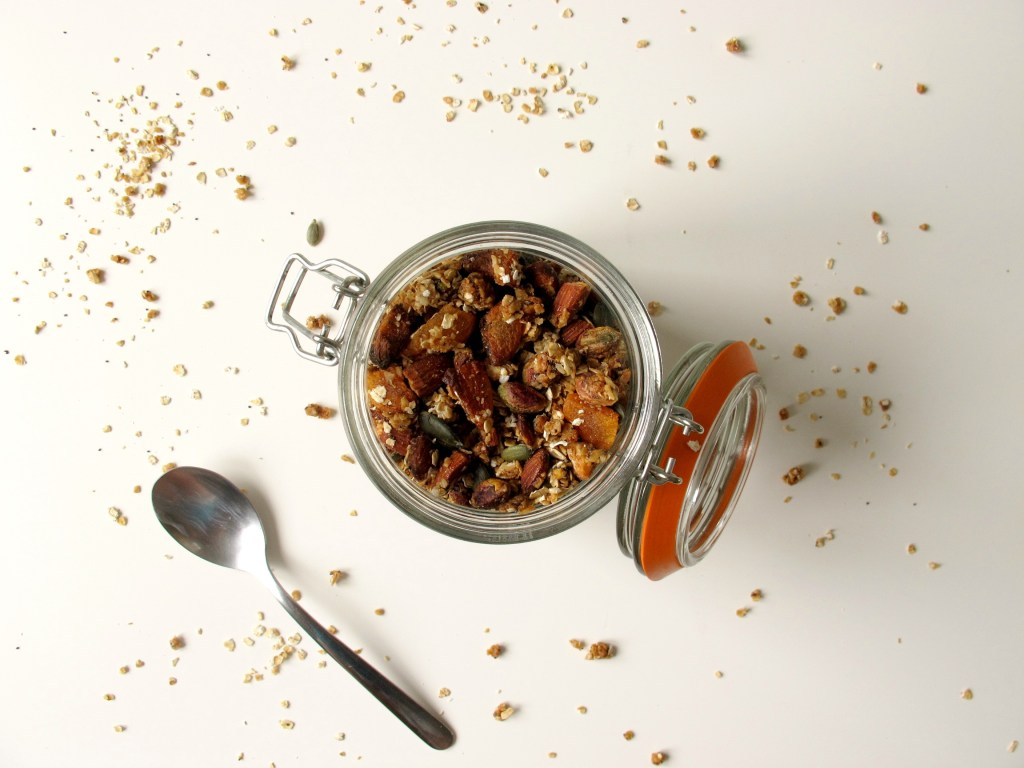 Caramelised Almond, Apricot and Pistachio Granola