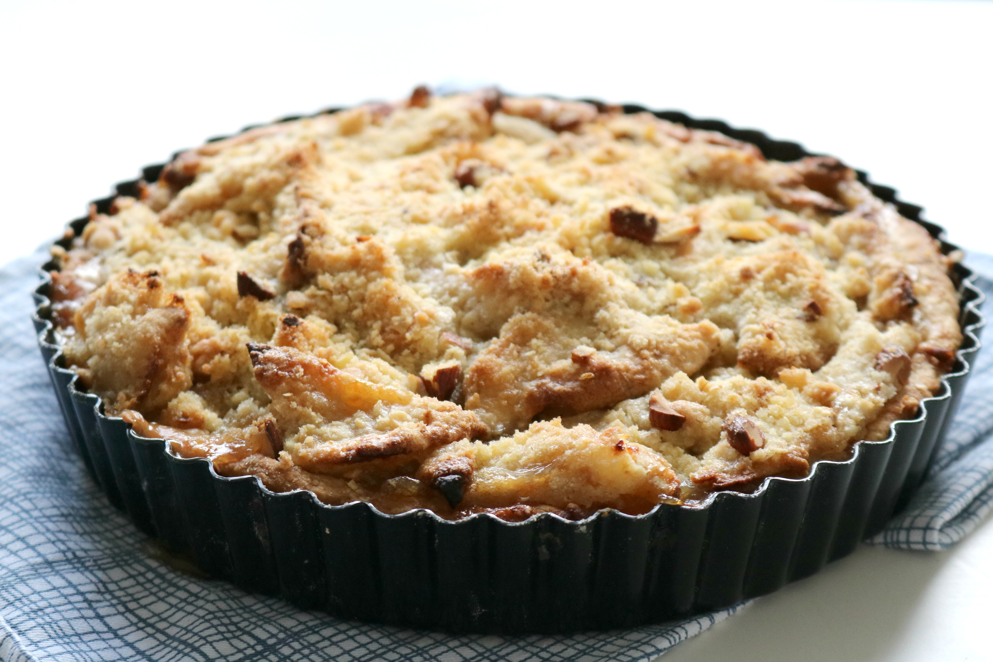 Bourbon Apple Almond Crumble Pie