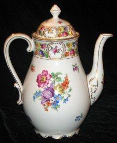 Tea & Coffee & Chocolate Pots (2/5)