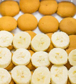 Recipes - Homemade Southern Banana Pudding Pie (3/5)