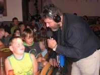 Thijs wordt geïnterviewd omdat wij voor de 30e keer op De Houtkamp zijn