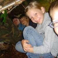 Jochem, Dagmar, Nathan en Matthijs in hun hut