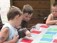 Kenny en Sven spelen memory