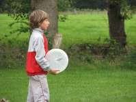 Nathan met een frisbee