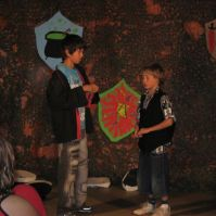 Brandon en Nathan tijdens de bonte avond