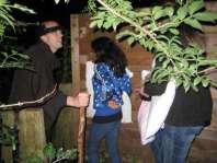 Gargamel verwelkomt iedereen in het donkere bos