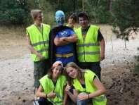 Lars, Naomi, Benthe, Pim, Brandon en superkoekiemonsterman