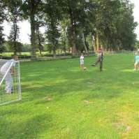 Een lekker groot veld om te voetballen
