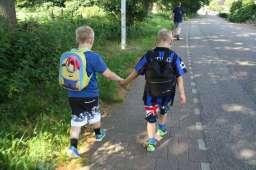 Keandro en Andy samen op weg naar De Zanding