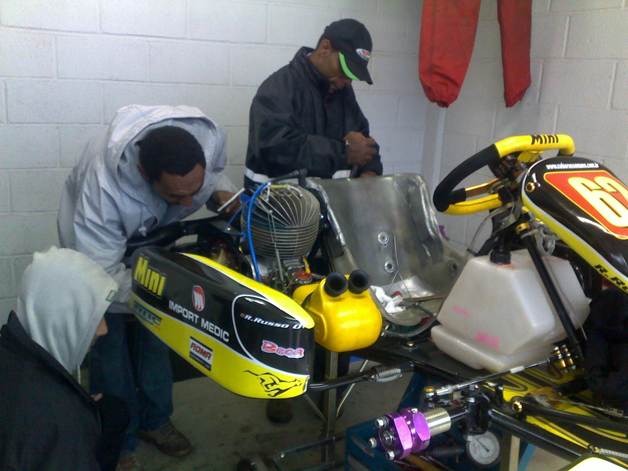 Momentos antes da conquista do Campeonato Brasileiro de Kart 2009 na Super Senior