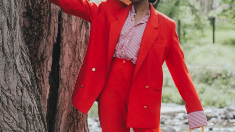 RED SUITING