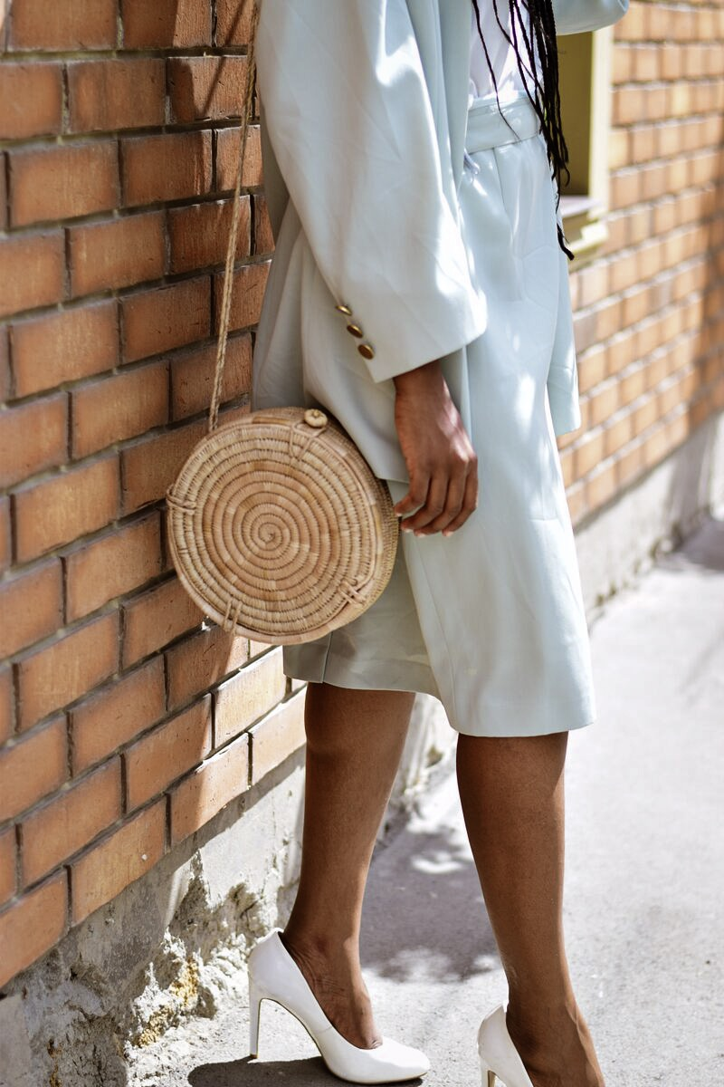 styling a mint green suit for women