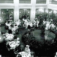 Department store restaurants: Marshall Field's