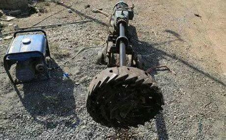 آليات داعش لحفر الأنفاق