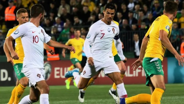 Ronaldo scores four times as Portugal rout Lithuania
