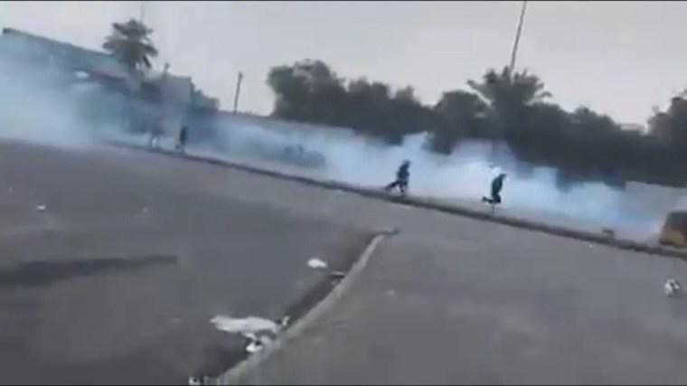 اطلاق الغاز المسيل للدموع قرب ساحة التحرير