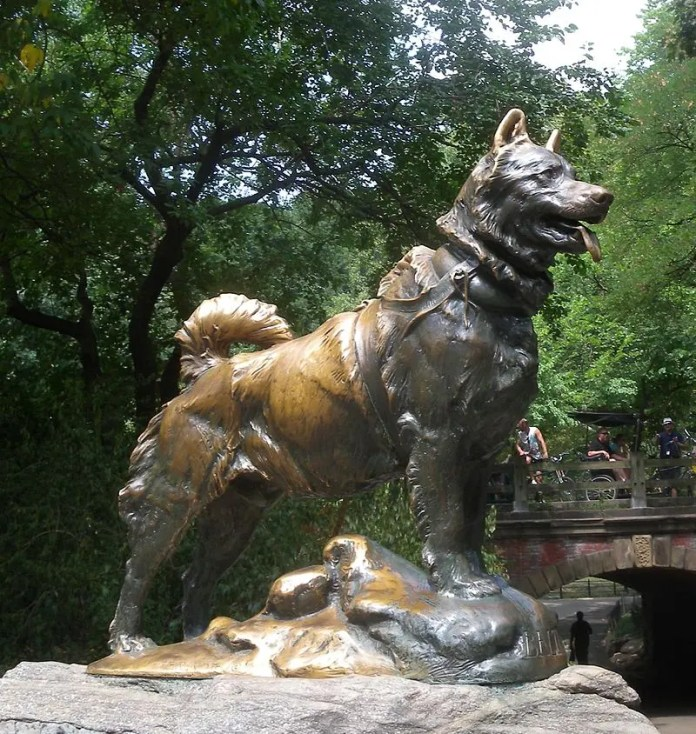 Statue of the Palto Dog in Central Park, New York