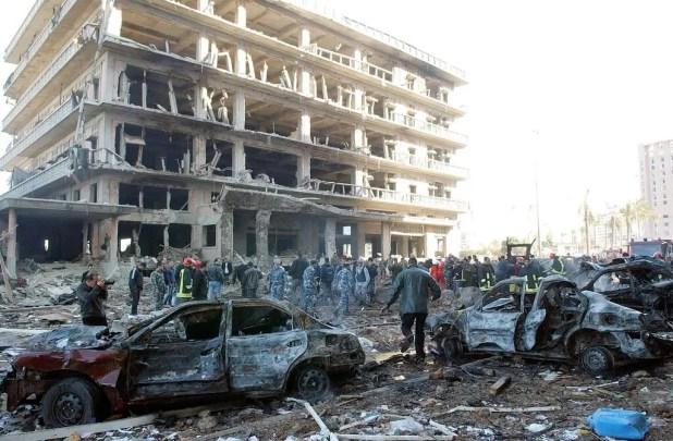 من موقع التفجير الذي أدى لاغتيال الحريري