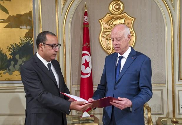 قيس سعيد مع هشام المشيشي