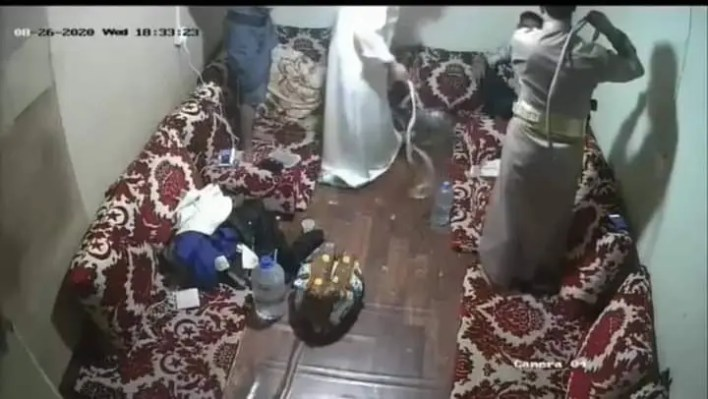 من فيديو تعذيب الشاب الاغبري حتى الموت