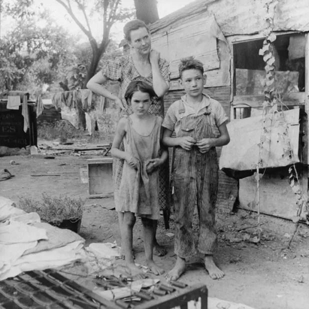صورة لعائلة أميركية تشردت بسبب الأزمة الإقتصادية