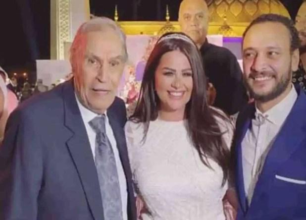 في ظهور حديث لعزت العلايلي خلال حضوره حفل عقد قران أحمد خالد صالح وهنادي مهنا