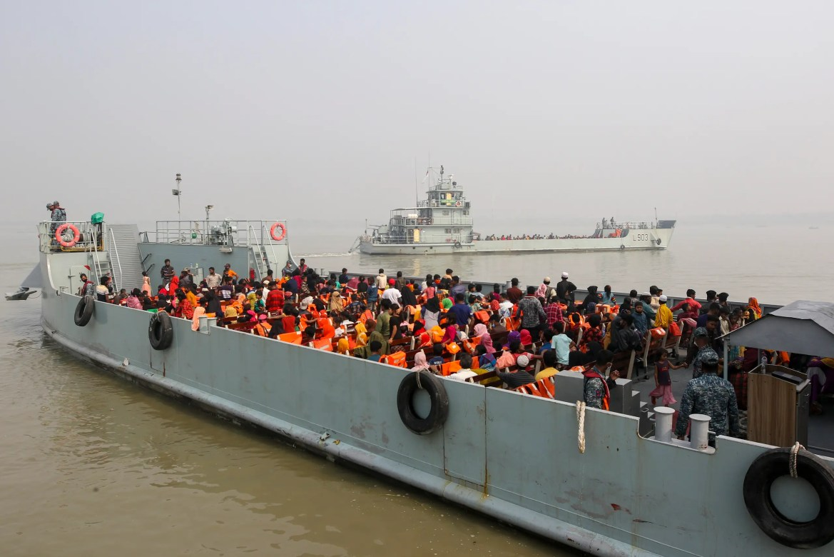 Rohingya refugees headed to the Bhasan Char island leave on navy vessels from the south eastern port city of Chattogram, Bangladesh, Monday, Feb.15,2021. (AP)