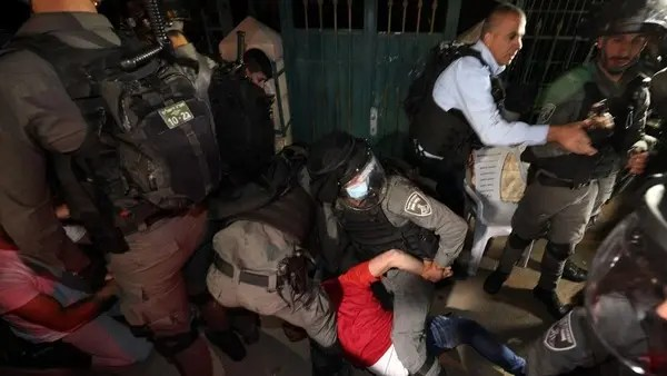 EU urges authorities to 'de-escalate' situation in Jerusalem: Statement