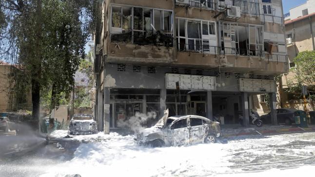 إسرائيل تستهدف منزل زعيم حماس في غزة