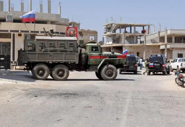 قوات روسية في درعا (فرانس برس)