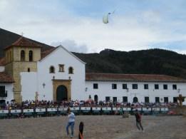 Die Kirche von Villa de Leyva und der Hauptplatz