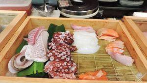 Tsukiji-Market_Sashimi