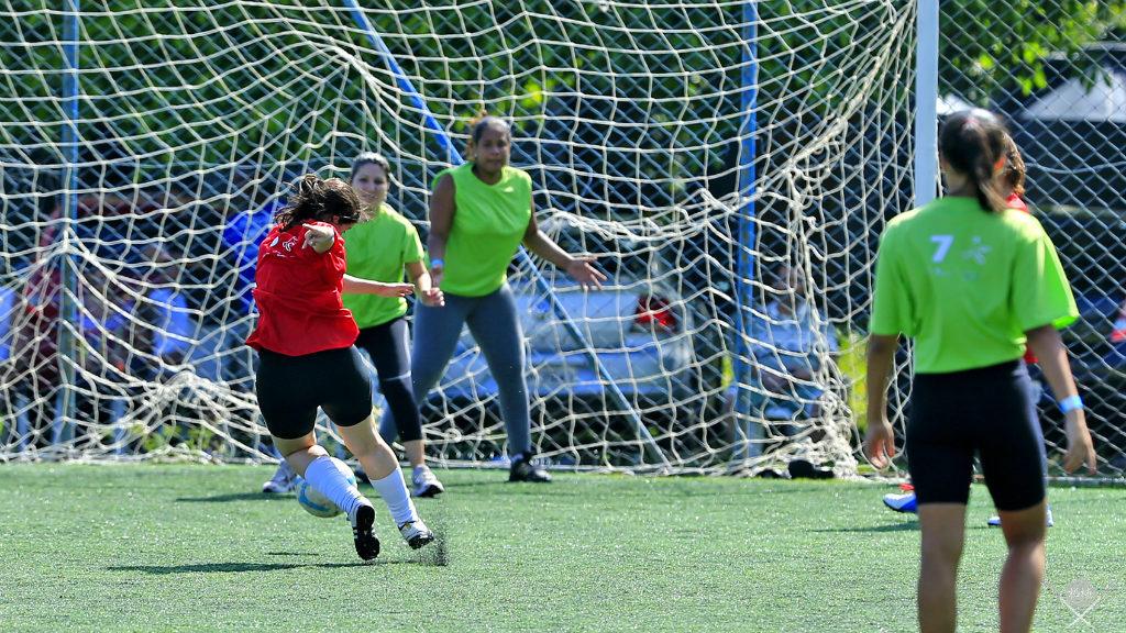 outubro rosa - futebol society jogo