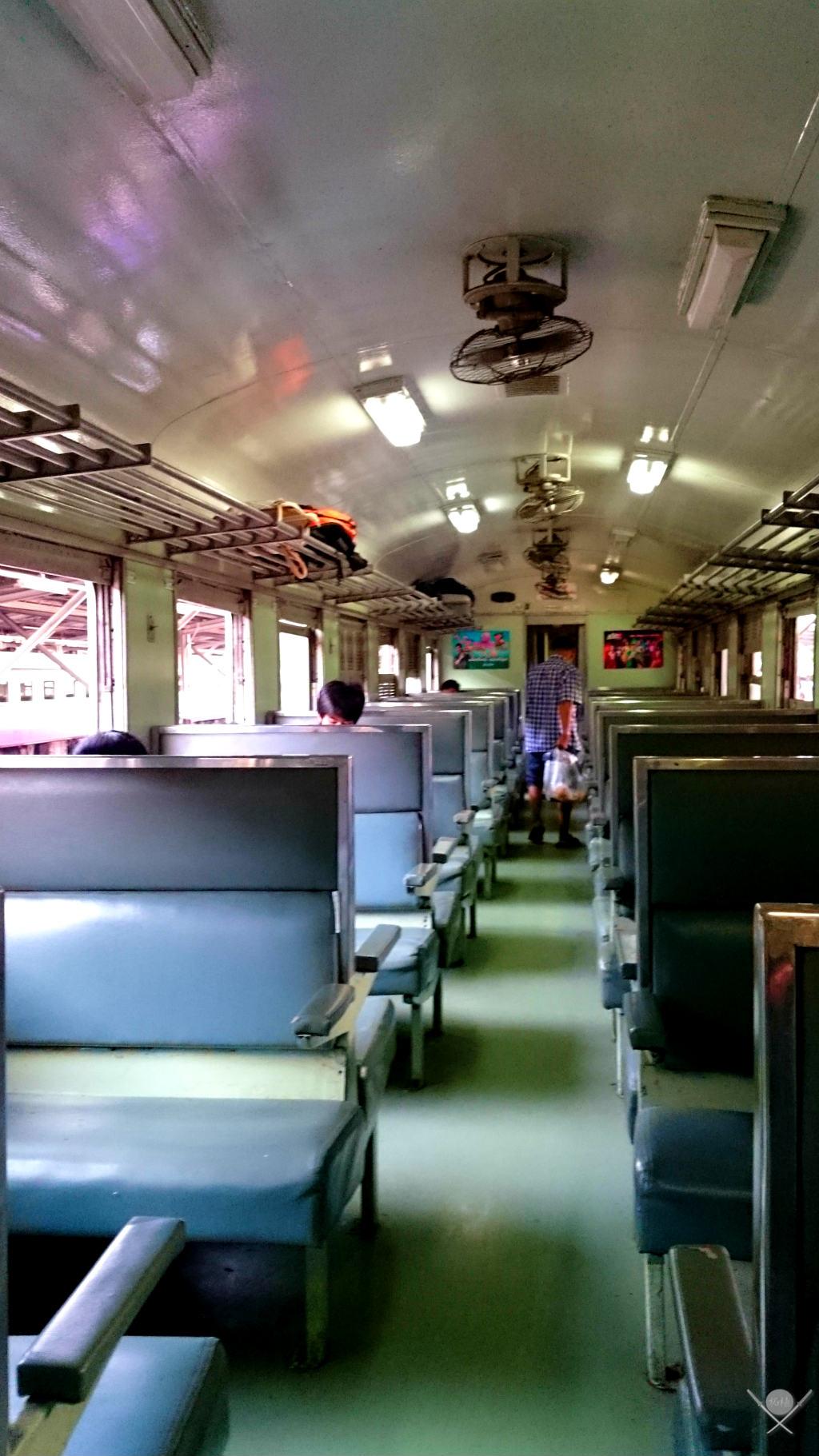 Thailand Ayutthaya Trem 2 Vida de Tsuge VDT 1024x1820
