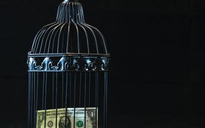 [Prosperidade] As 4 Atitudes que Bloqueiam a Entrada do Dinheiro na Sua Vida