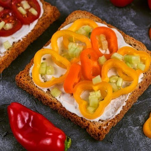 tostada de queso y pimentón