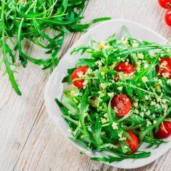 ensaladas sabrosas y saludables con tomate