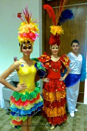 Folkloric dancers/greeters