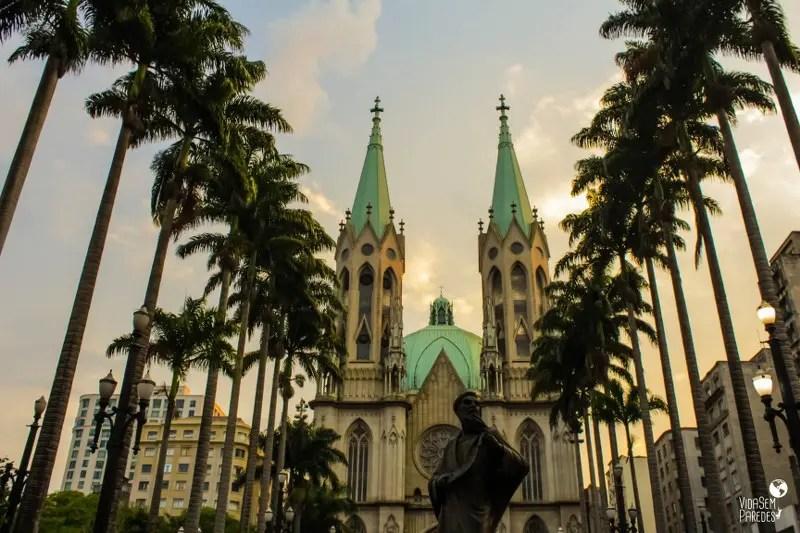 atrações para conhecer a pé no centro de São Paulo: Catedral e Praça da Sé