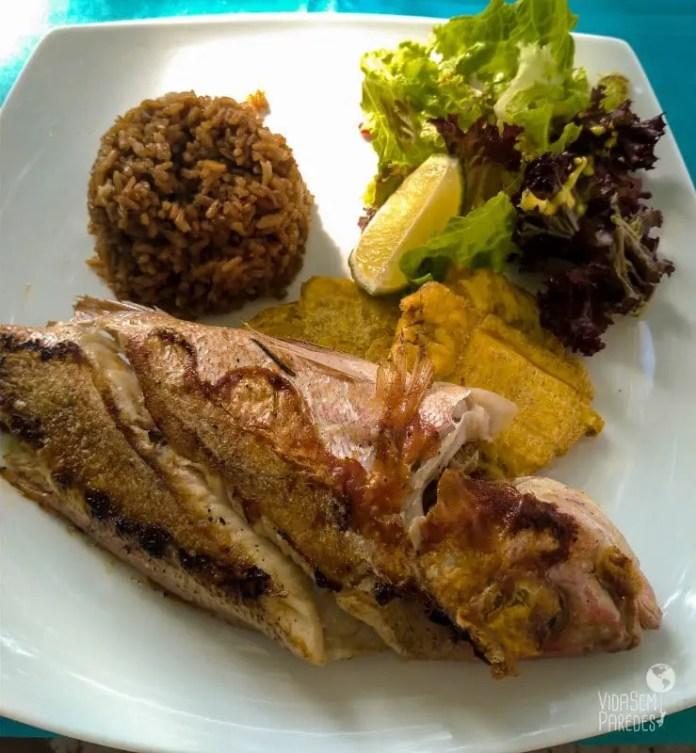 comidas colombianas com peixe