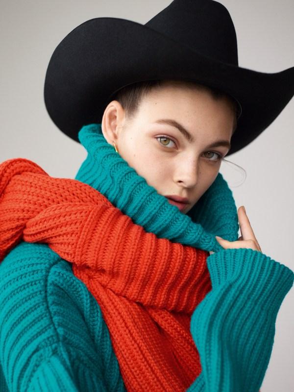 knitGrandeur: Chunky Cardigan Stitch- Balenciaga F/W 2017