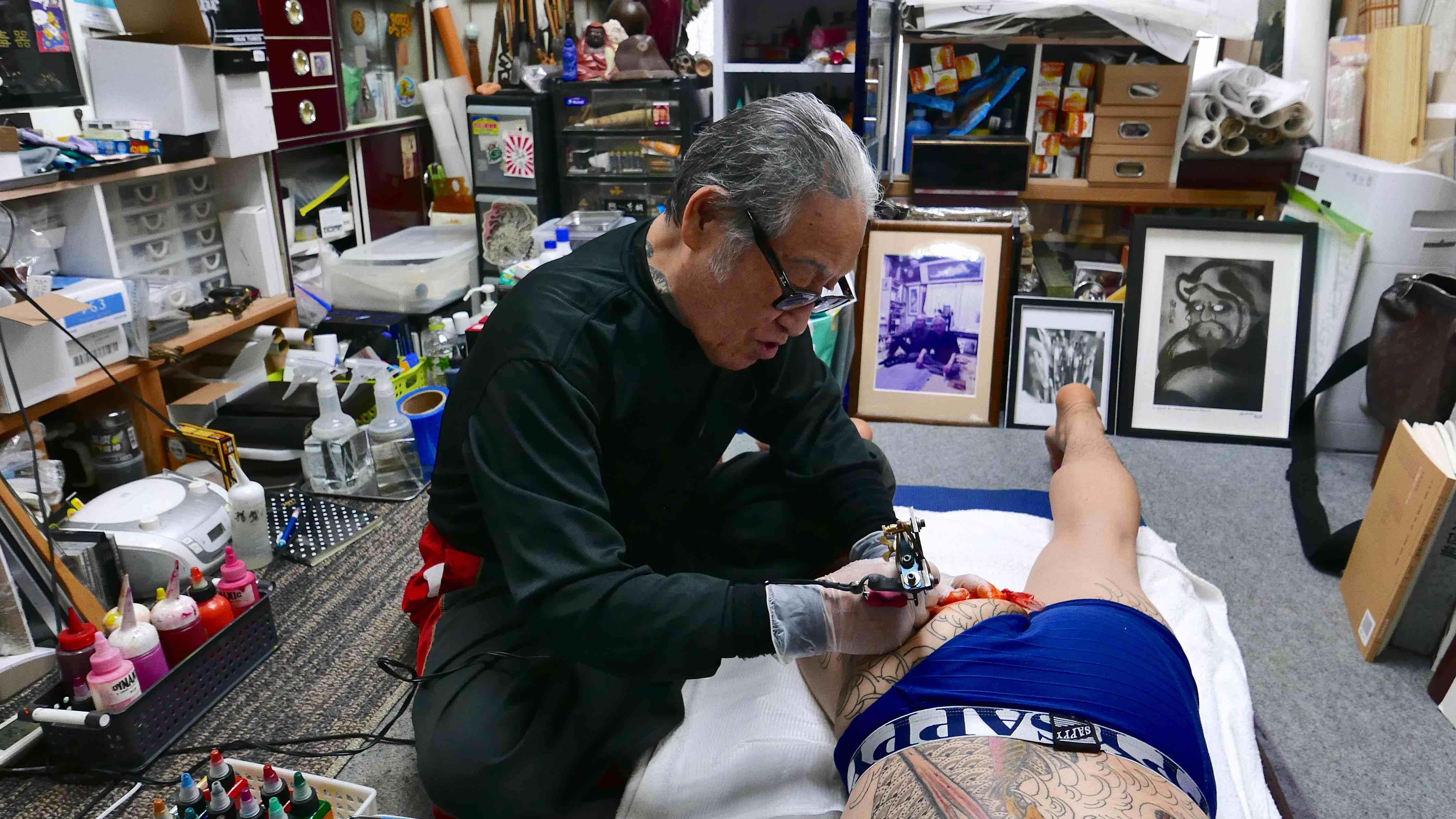 The Yakuza S Favourite Tattooist Explains Why Tattoos Should Never