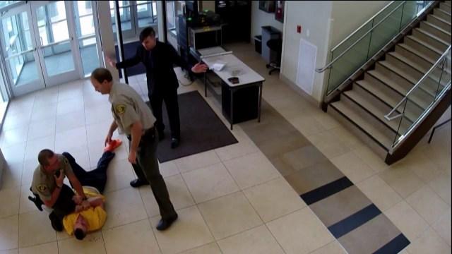 هروب جريء لمتهم مقيد اليدين من قاعة المحكمة