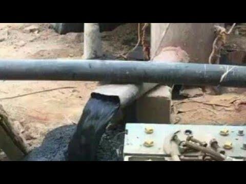 بالفيديو… تدفق النفط بغزارة من بئر مزارع سعودي